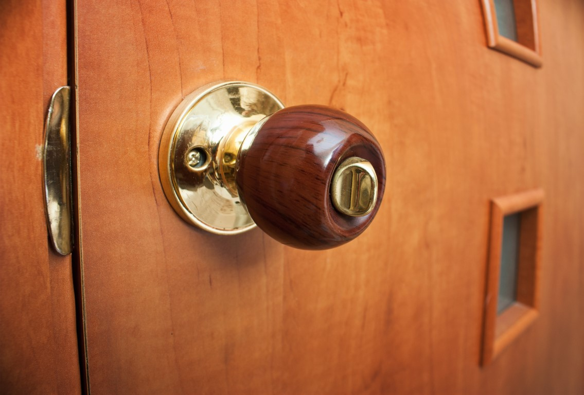 Choosing The Right Color Hardware For Interior Doors
